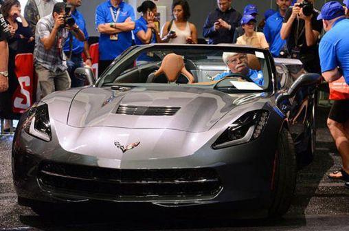 Chevrolet Corvette Stingray cabrio was sold for $1 million