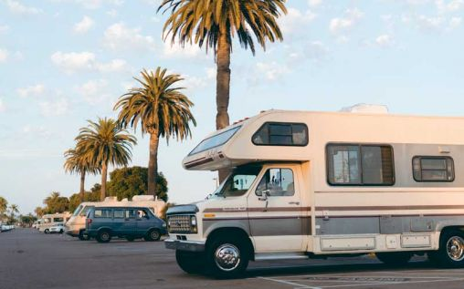 Key Reasons to Hire Experts in RV Repairs Like RNR Refinish