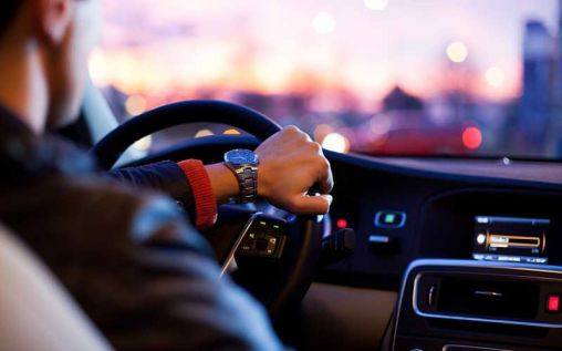 6 Reasons to Hire a Private Chauffeur for Your Next Corporate Event
